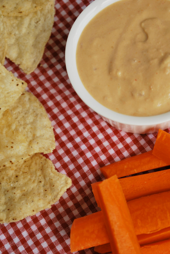 Ultimate Vegan Dipping Sauce: A versatile sauce perfect for summer picnics! It requires only three ingredients and takes mere seconds to whip together! || fooduzzi.com