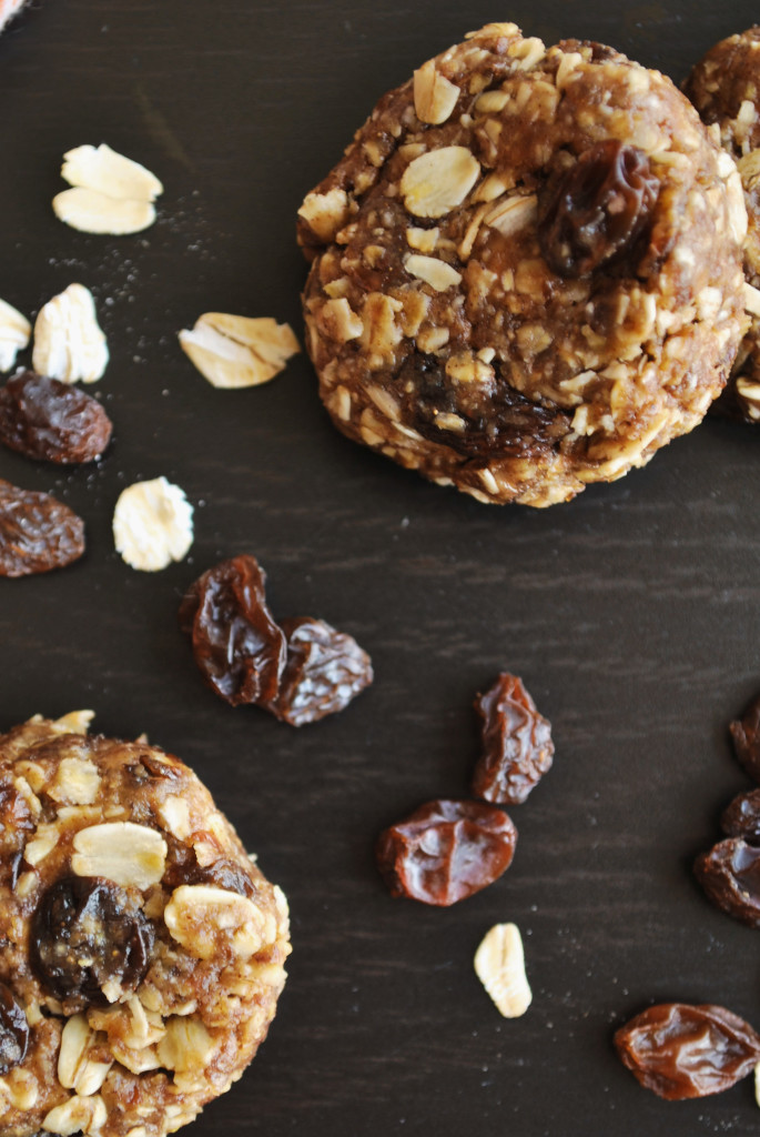 No Bake Granola Bar Cookies || fooduzzi.com