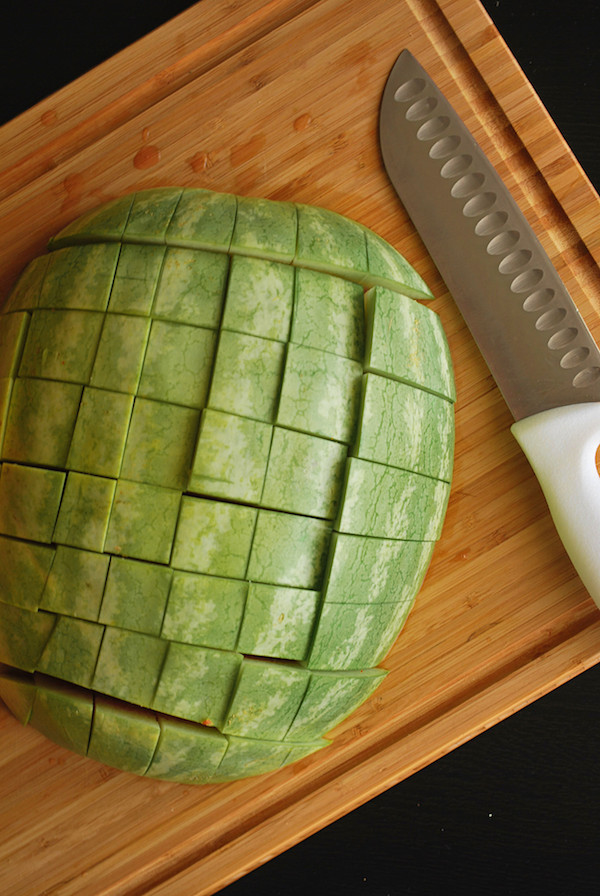 The Easiest Way to Cut a Watermelon || fooduzzi.com recipes