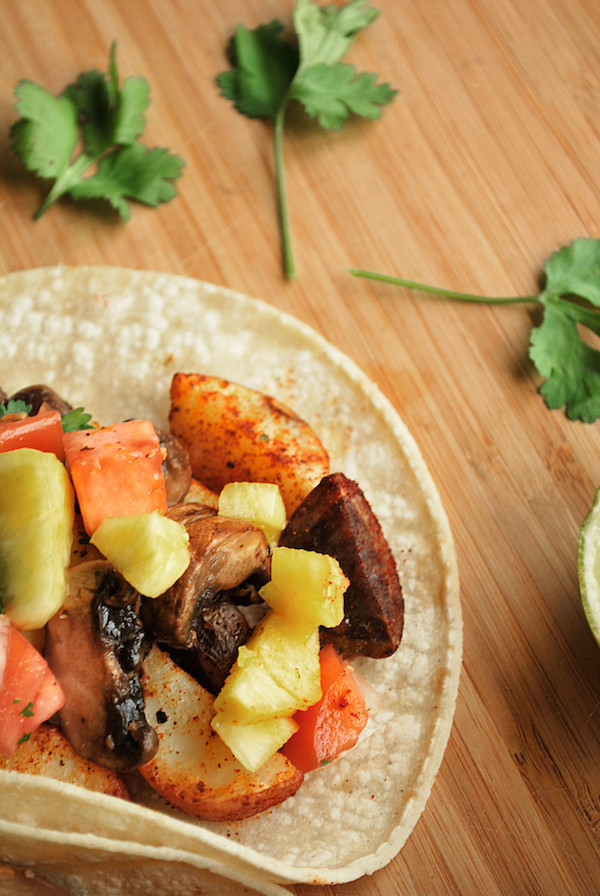 The Best Damn Vegetarian Tacos || fooduzzi.com recipes