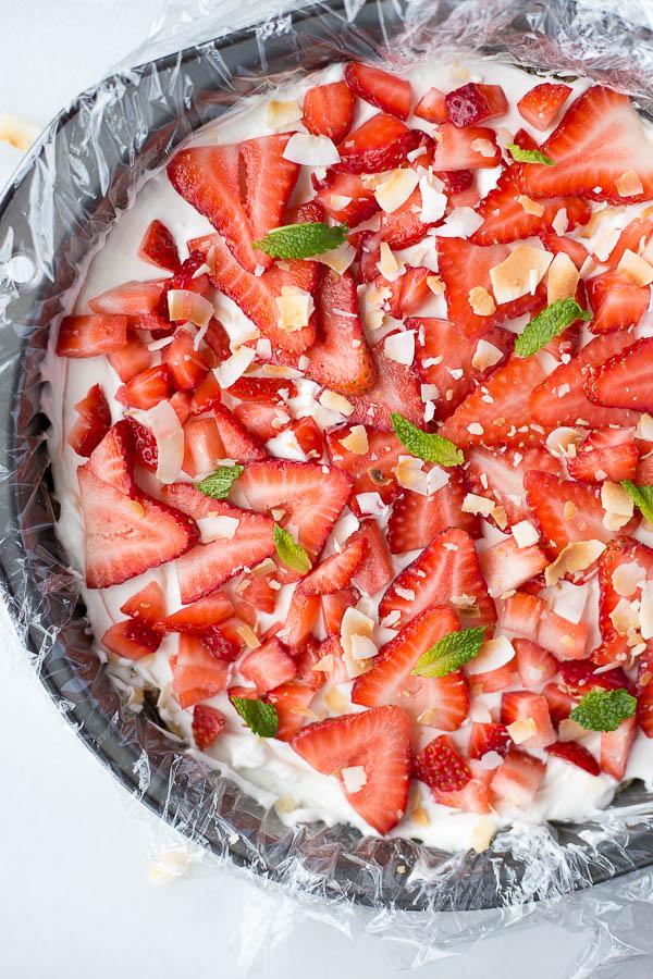 vegan-strawberry-coconut-cream-pie-12