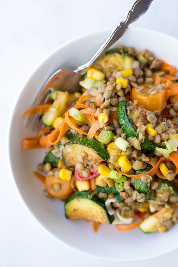 Honey Mustard Lentil Vegetable Salad: full of healthy vegan and gluten free ingredients! The perfect easy plant-based entree for summer!    fooduzzi.com recipe