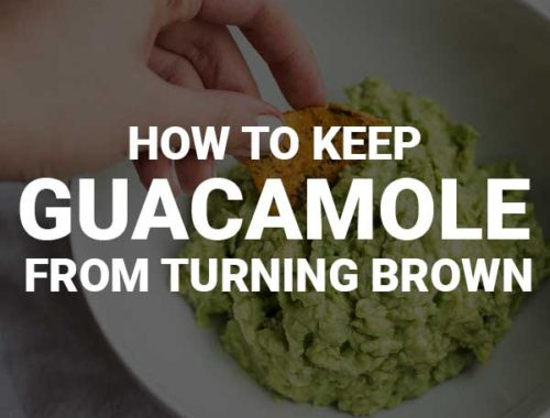 How to Keep Guacamole from Turning Brown: perfect for saving game day leftovers! || fooduzzi.com recipe